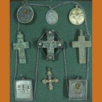 Иконки, ладанки, кресты