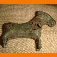 Овен пустотелая статуэтка барашка замочек-древний замок в виде барашка.