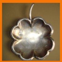 Тарелочка листок клевера серебрение.