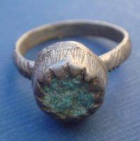 Перстень серебряный с камнем ,