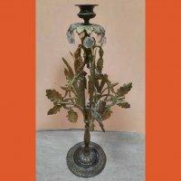 Підсвічник з декором у виглядлі дубових листків